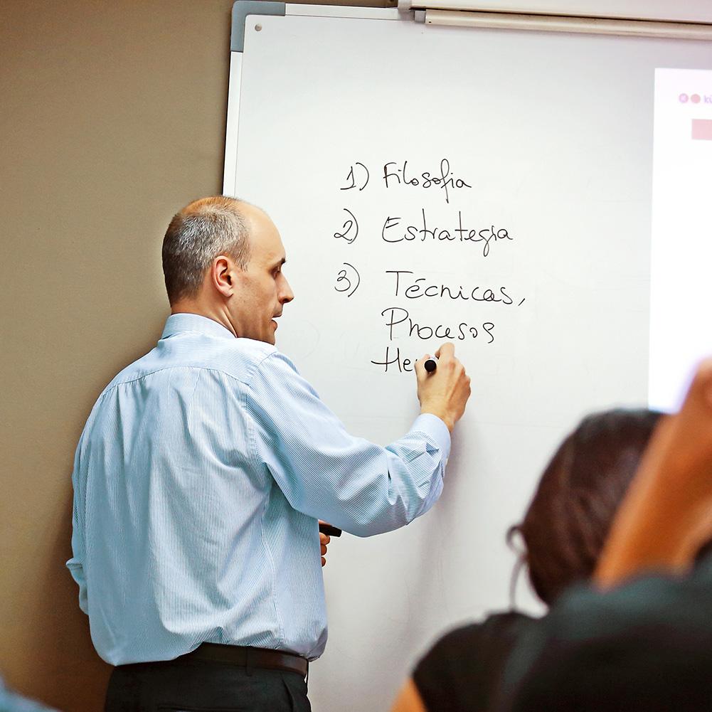 Cursos, talleres y seminarios especializados